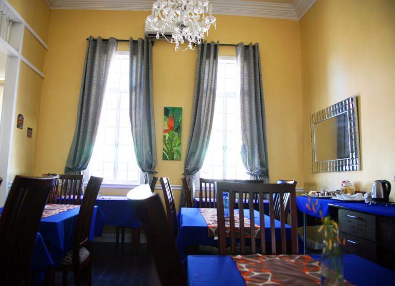 Innat 87 Breakfast Area